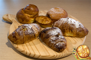 Pastry and biscuits products for your own restaurant business, Stuzzicando offers machinery, technical support, original italian food recipes plus international logistic and customer services Made in Italy